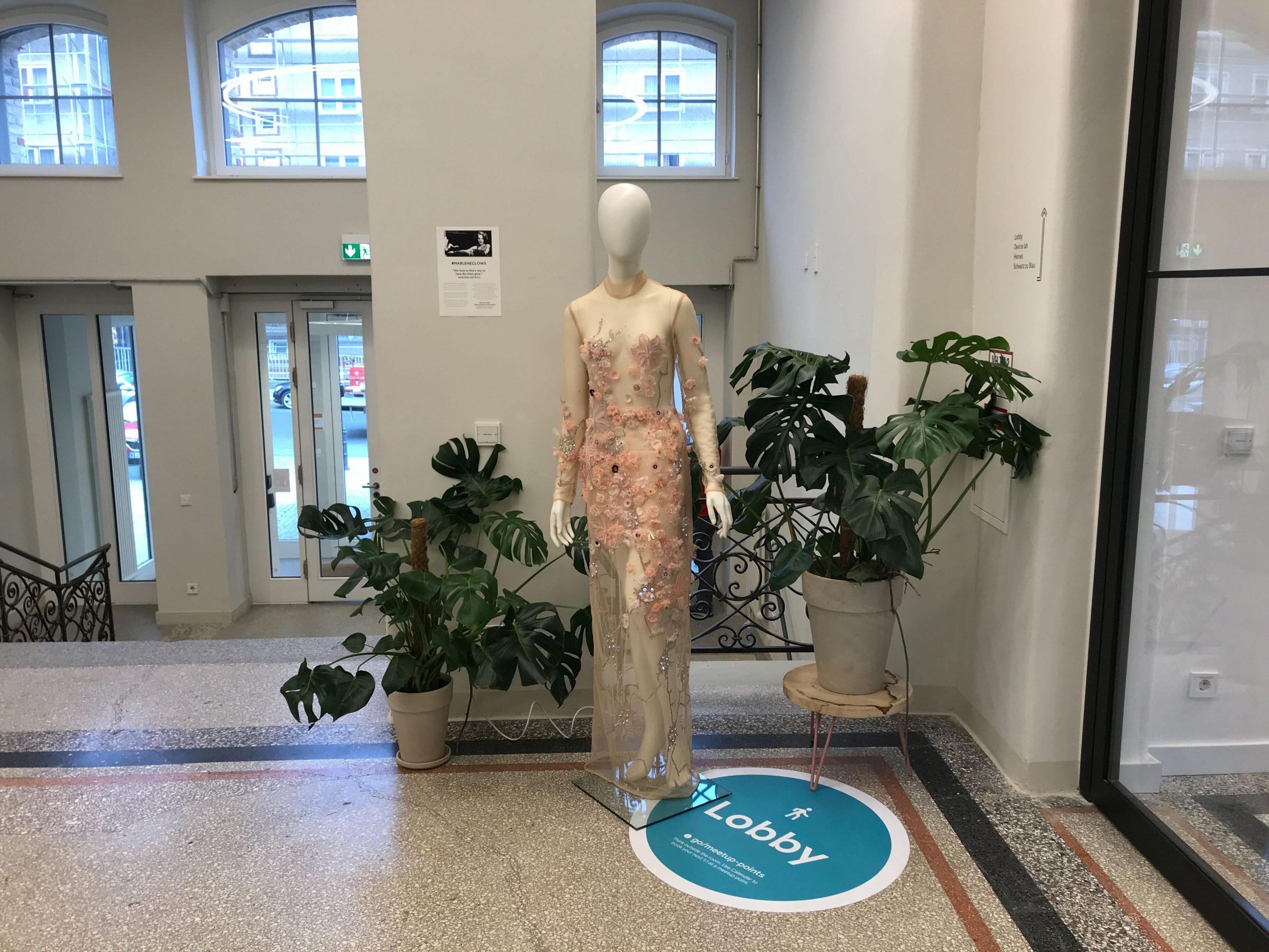 marlene-dress-in-google-berlin-headquarters